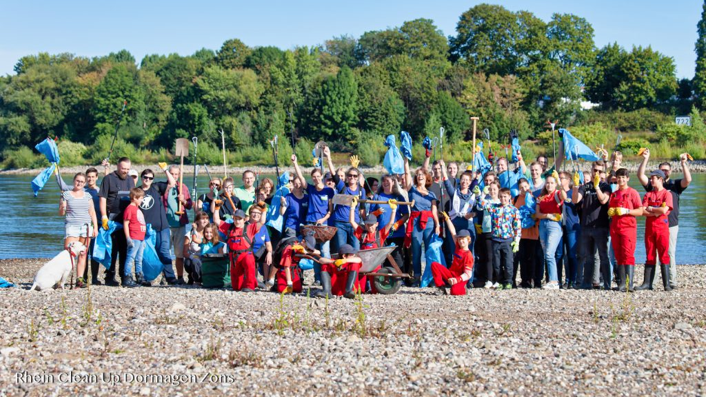 Rhein Clean Up Day in Dormagen